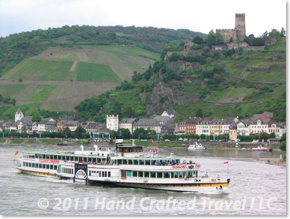 d-rhine-boat-with-castle.jpg